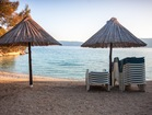 What is the most important thing on the beach? little stones, shade and beach bar - Pinezici beach has it all