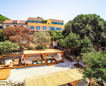 Charming aparthotel by the Sea - aparthotel Lumby Palace with sun terrace
